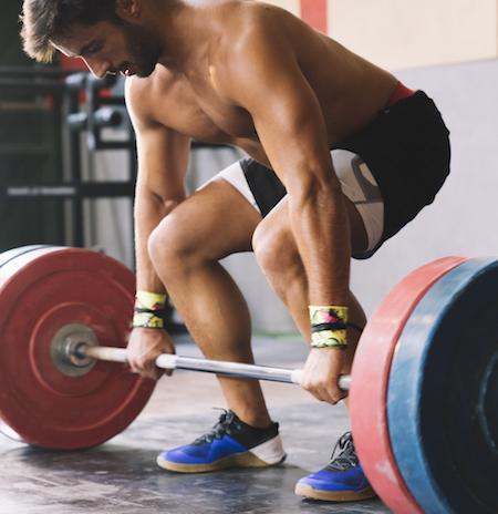 atleta de crossfit mejorando la masa muscular