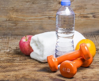 botella de agua para tu nutrición deportiva en el maratón de Barcelona